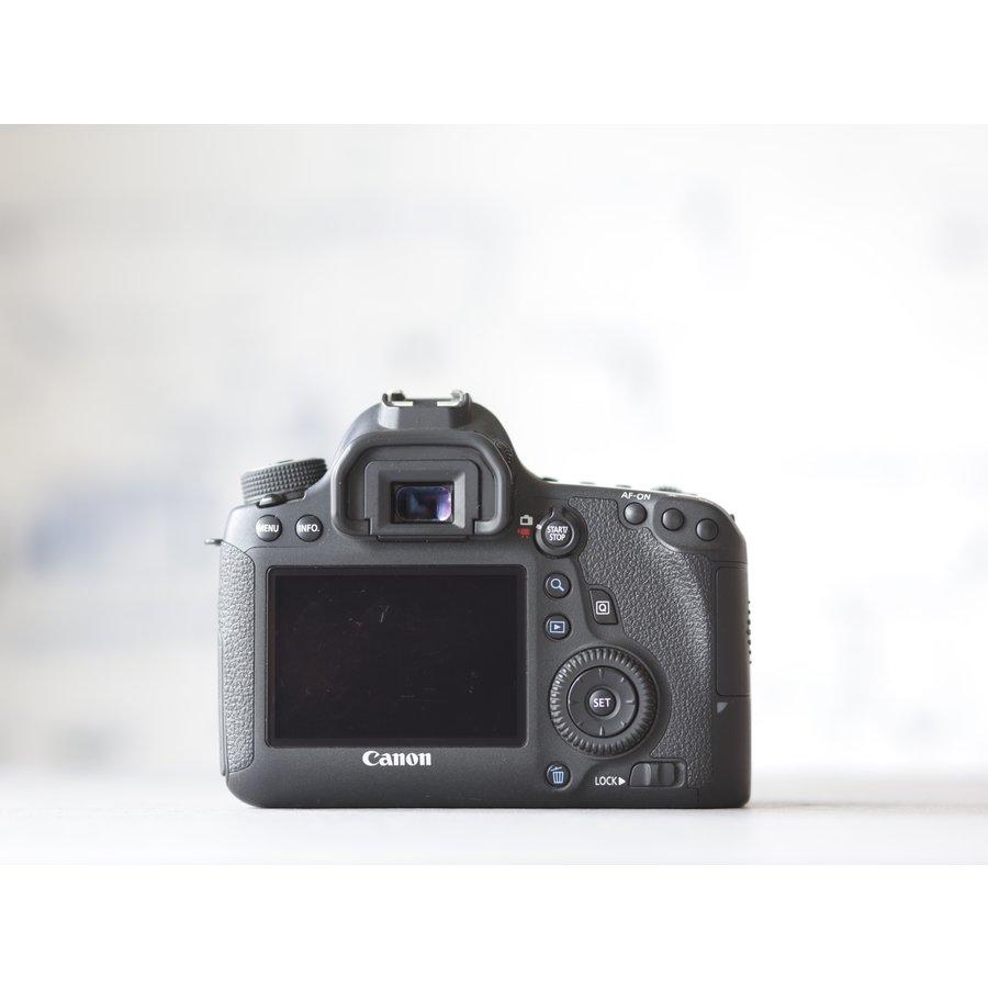 Canon EOS 6D-2
