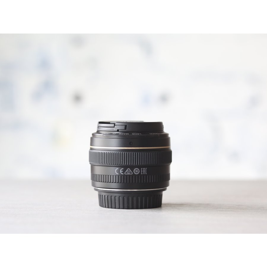 Canon EF 50mm f/1.4 USM-3