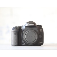 thumb-Canon EOS 7D Mark II-2