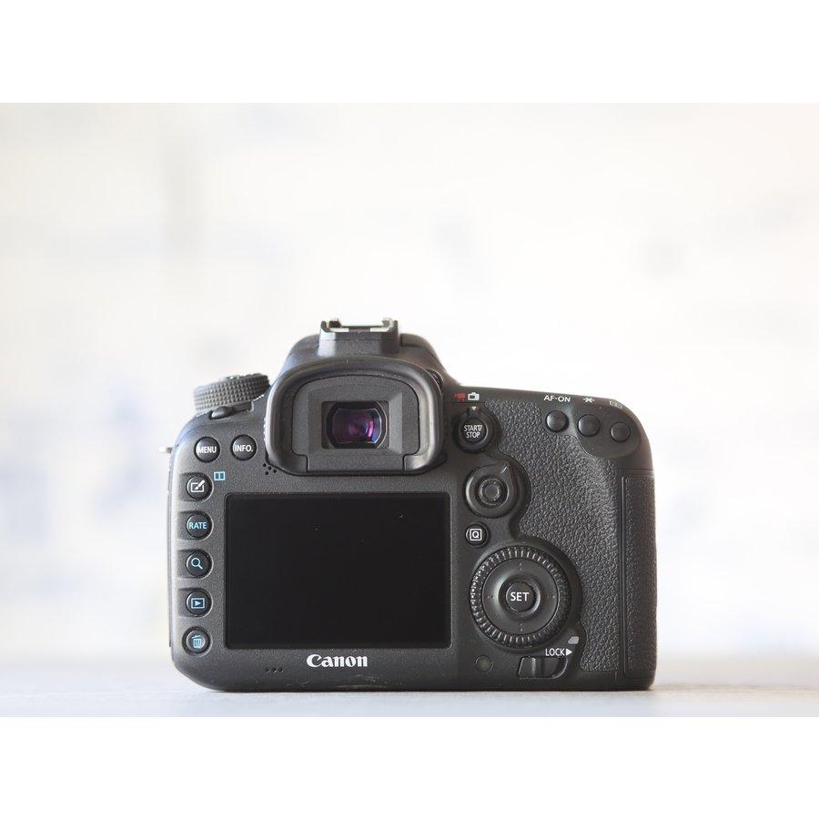 Canon EOS 7D Mark II-3