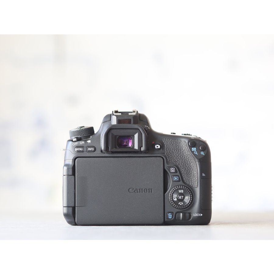 Canon EOS 760D-2