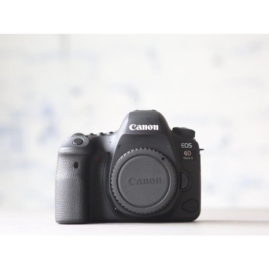 Canon EOS 6D Mark II-1