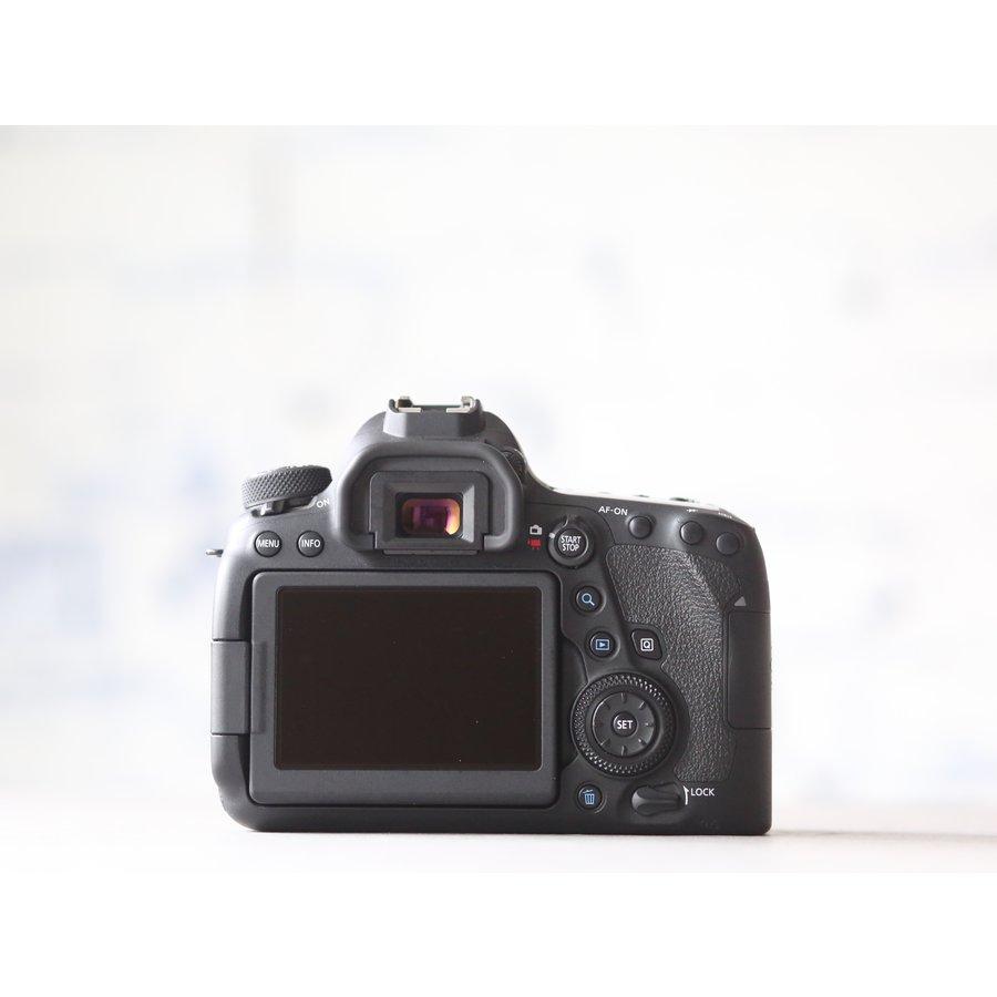 Canon EOS 6D Mark II-3