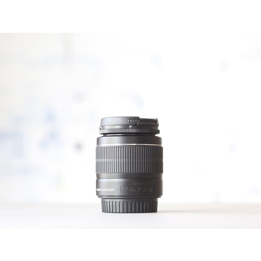Canon EF-S 18-55mm f/3.5-5.6 IS II-2