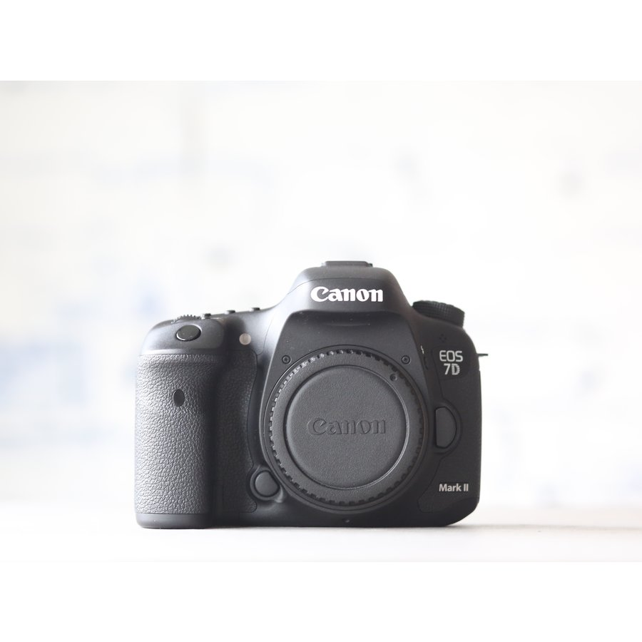 Canon EOS 7D Mark II-2
