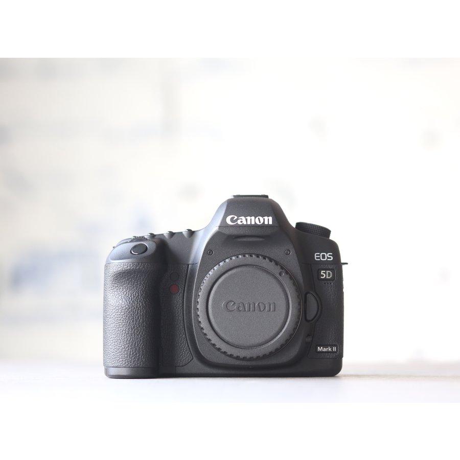 Canon EOS 5D Mark II-1
