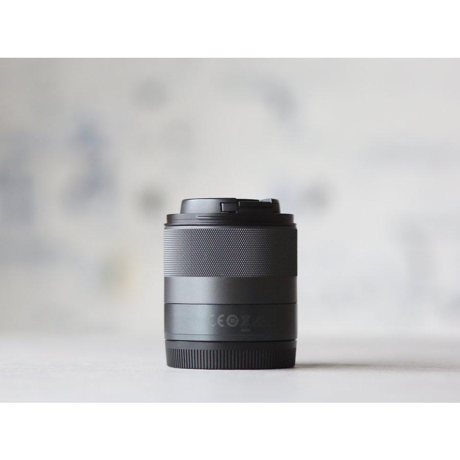Canon EF-M 32mm f/1.4 STM-3