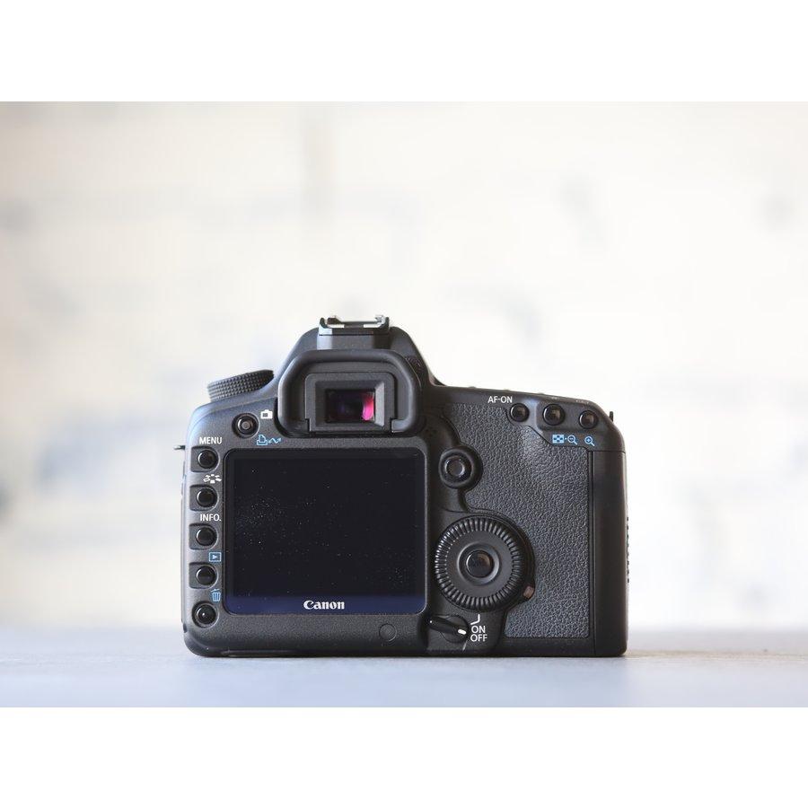 Canon EOS 5D Mark II-2