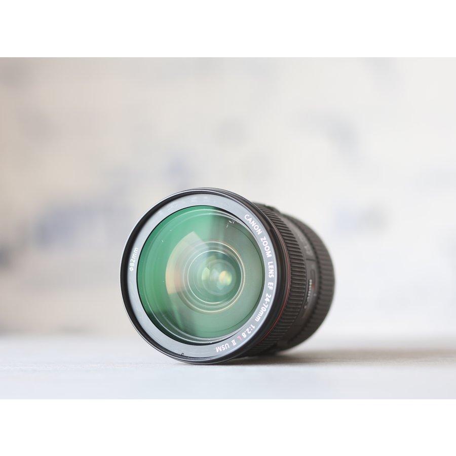 Canon EF 24-70mm f/2.8L II USM-4