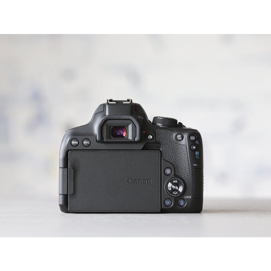 Canon EOS 850D-3