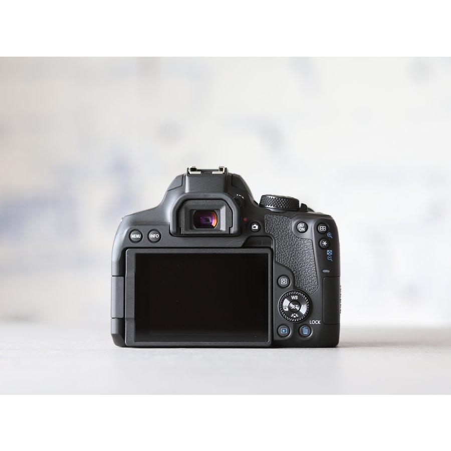 Canon EOS 850D-4