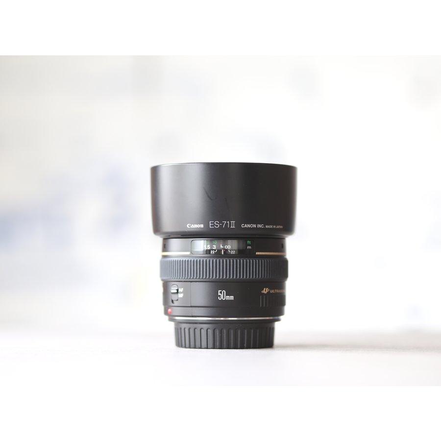 Canon EF 50mm f/1.4 USM-2