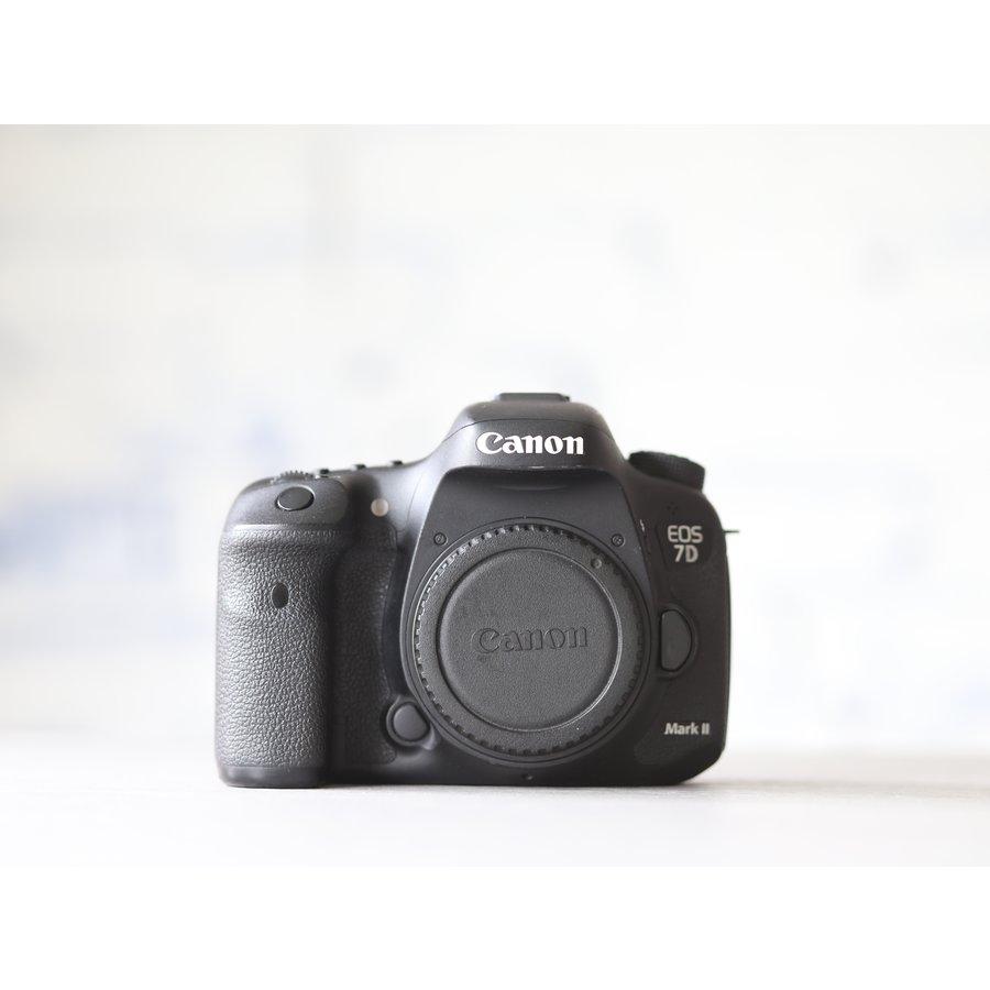 Canon EOS 7D Mark II-2