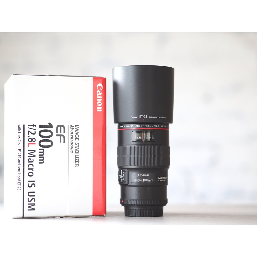 Canon EF 100mm f/2.8L Macro IS USM-1