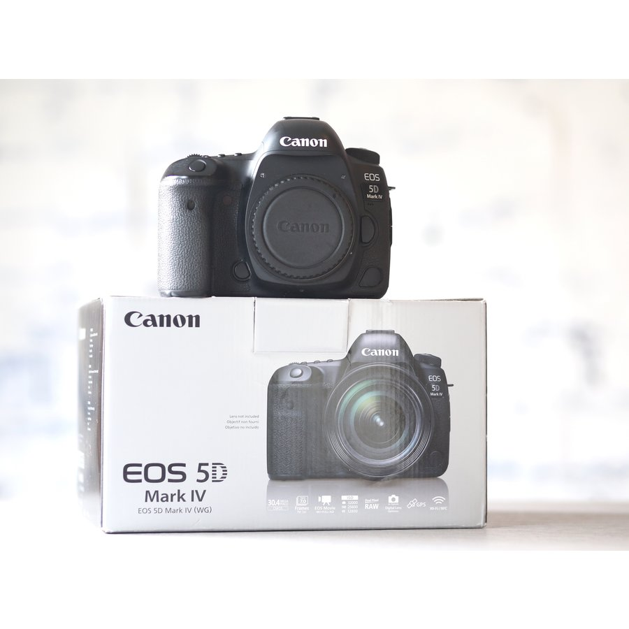 Canon EOS 5D Mark IV-1