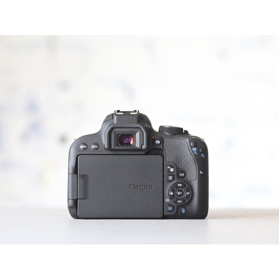 Canon EOS 800D-3