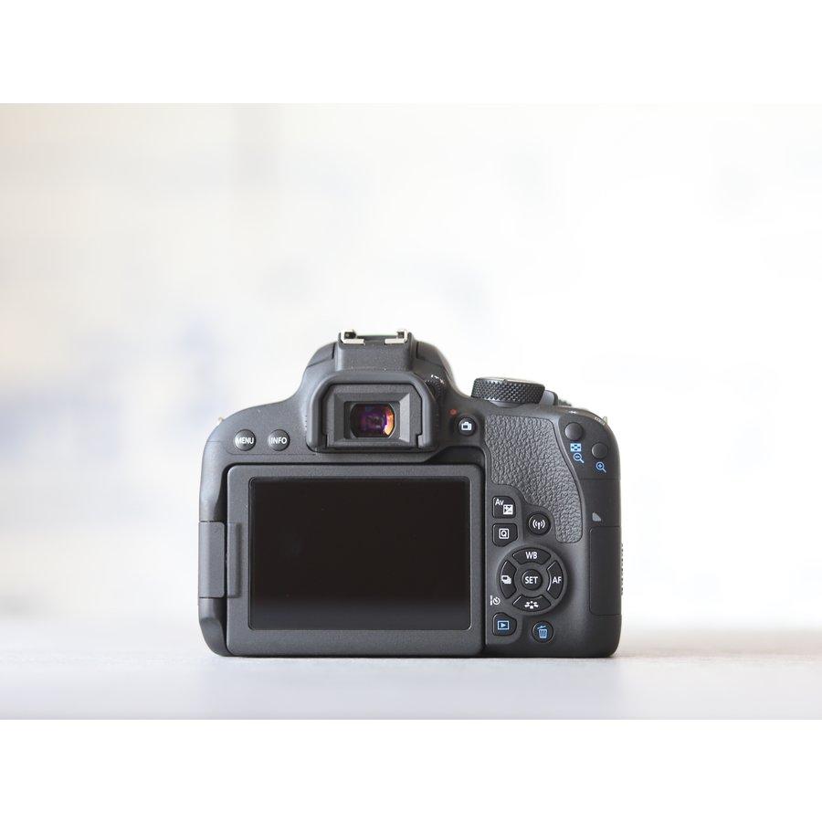 Canon EOS 800D-4