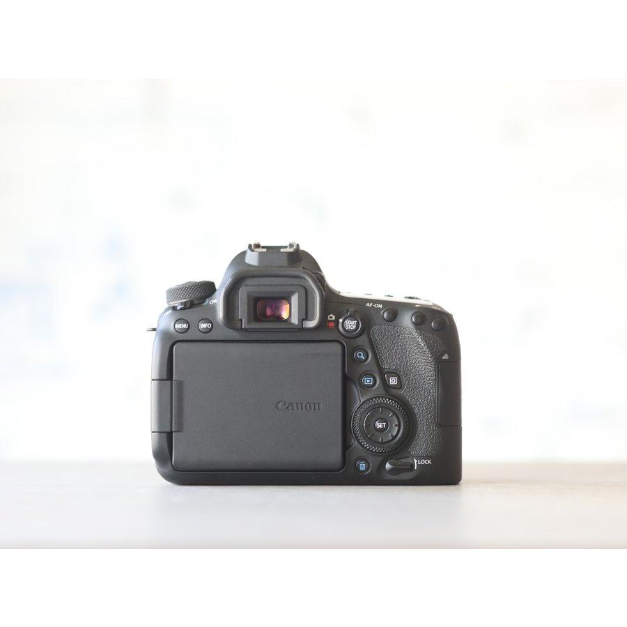 Canon EOS 6D Mark II-2