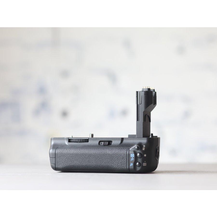 Canon BG-E6 Battery Grip + accu-2