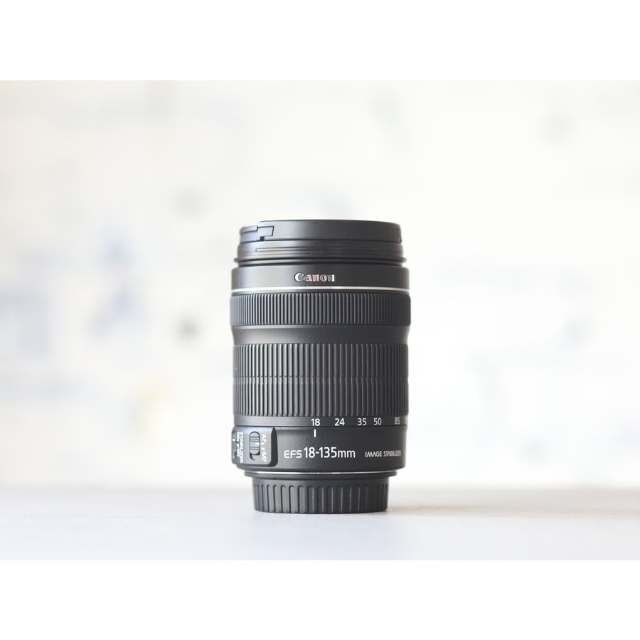 Canon EF-S 18-135mm f/3.5-5.6 IS STM-2