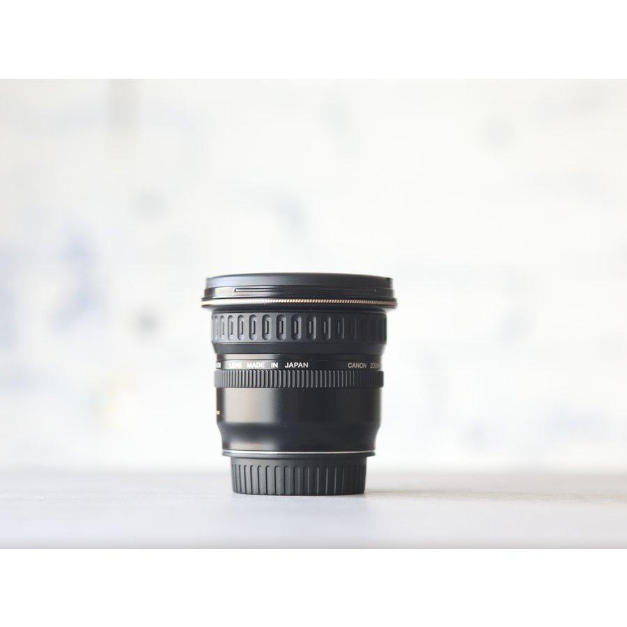 Canon EF 20-35mm f/3.5-4.5 USM-2