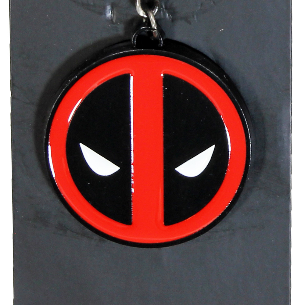 Marvel Comics: The Avengers, Captain America, Spider-Man, The Hulk, Thor, Black Panther, Deadpool, Ant-Man, Iron Man, The Punisher Marvel Comics Deadpool Metal Keychain Red / Black