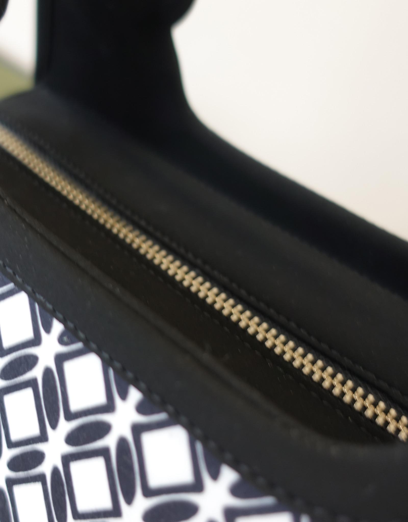 Diana,black wit fabric