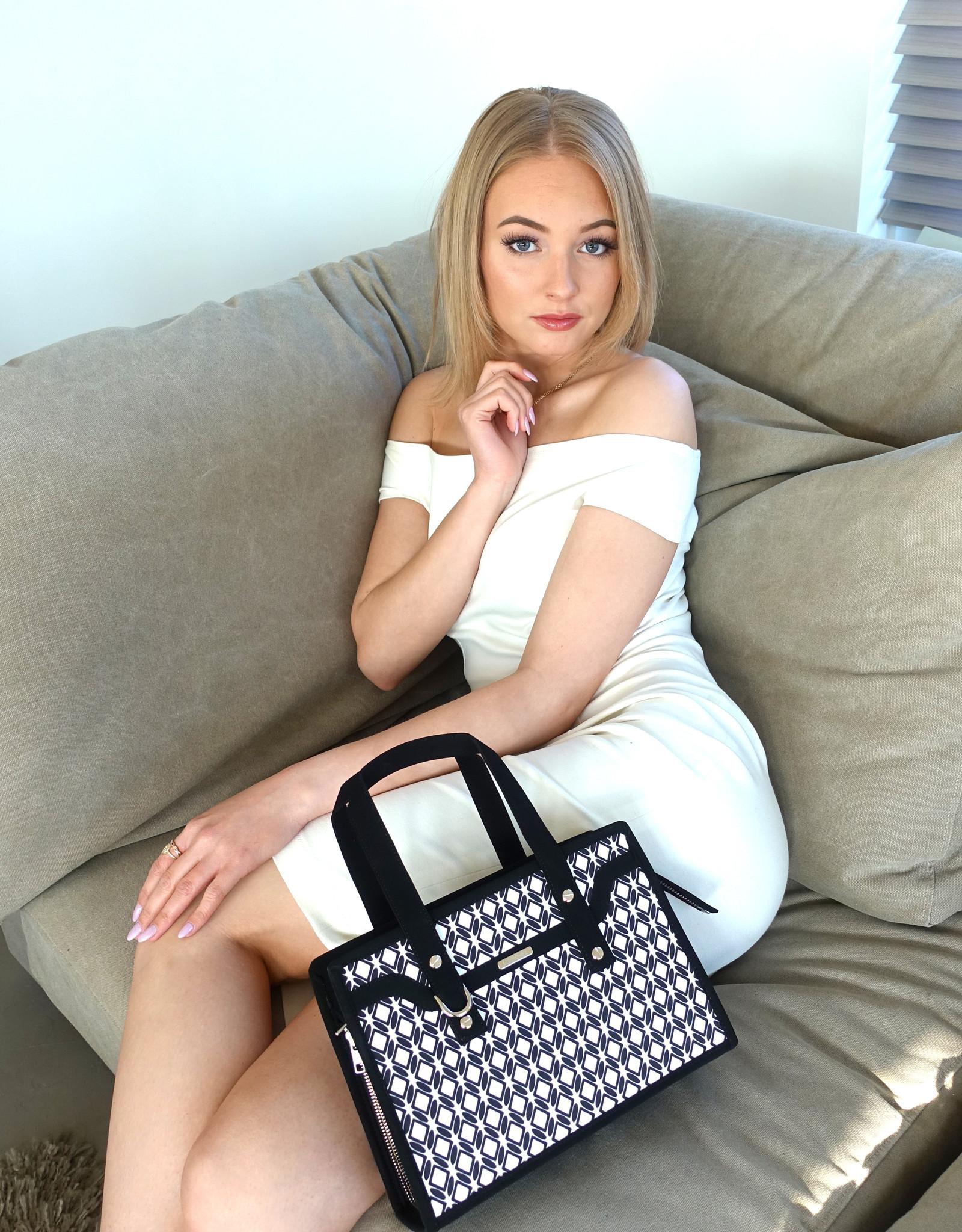 Gigi, black white fabric