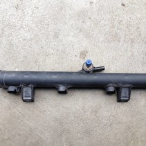 Injectors rail (EW10J4) 9628084680 peugeot 206 2.0 16v