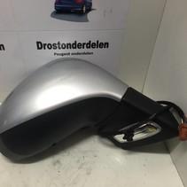 Spiegel rechts Peugeot 207  Kleur Ezr  8153Aw 96807059Xt Elektrisch  Inklapbaar