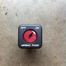 schakelaar om bijrijders airbag aan/uit zetten peugeot 206