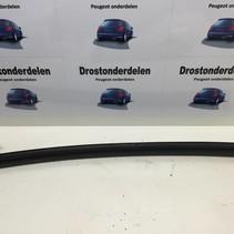 links midden dak rubber peugeot 206 cc (8320A8)