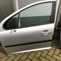 Linker voordeur  peugeot 207  kleur grijs EZR