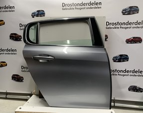 Rear door 4-door, right