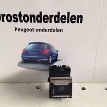 Parking brake switch 9810593577 peugeot 3008 P84