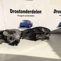 Belt tensioner V759883280 Peugeot 3008 P84
