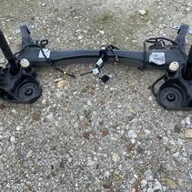 Rear axle 9827421280 Peugeot 3008 P84