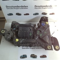 Adblue tank 9825645580 peugeot 3008 P84e  diesel