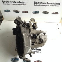 Peugeot 208 1.2 gearbox 82 hp with gearbox code 20CR03