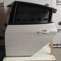 Portier 4Deurs links-achter van een Peugeot 208 kleur wit parelmoer EFC