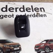 Raamschakelaar Links-Achter 98242552ZD Peugeot 2008