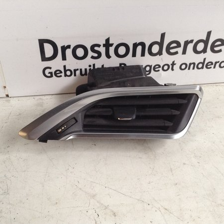 Air Grille Dashboard Chrome Right 9673131677 Peugeot 208