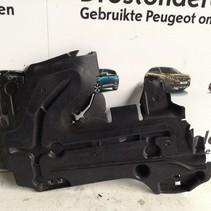 Beschermplaten tussen Chassisbalk Rechts 9675253180 Peugeot 208
