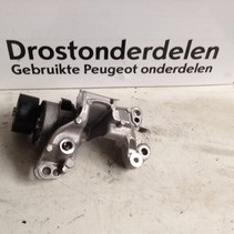 Alternator support 9812038180 Peugeot 208 1.6 (Engine code BHA)