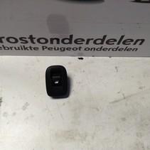 Raamschakelaar Rechts-Achter 98242552ZD Peugeot 208