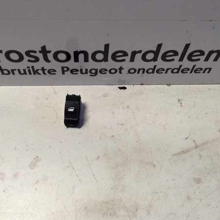 Window switch Right-Front 96762292ZD Peugeot 308 T9