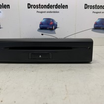 Used CD player 98229298ZD-00 // NAVIGATION CD PLAYER peugeot 208/2008