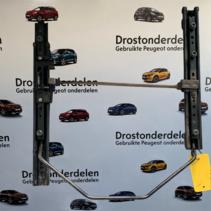 Stoelrails Rechts Peugeot 207CC / 3Deurs  (884621)