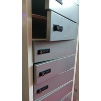 thumb-Freestanding locker, each bay is equipped with one 220V and two USB connectors. Each storage compartment has a code lock-1