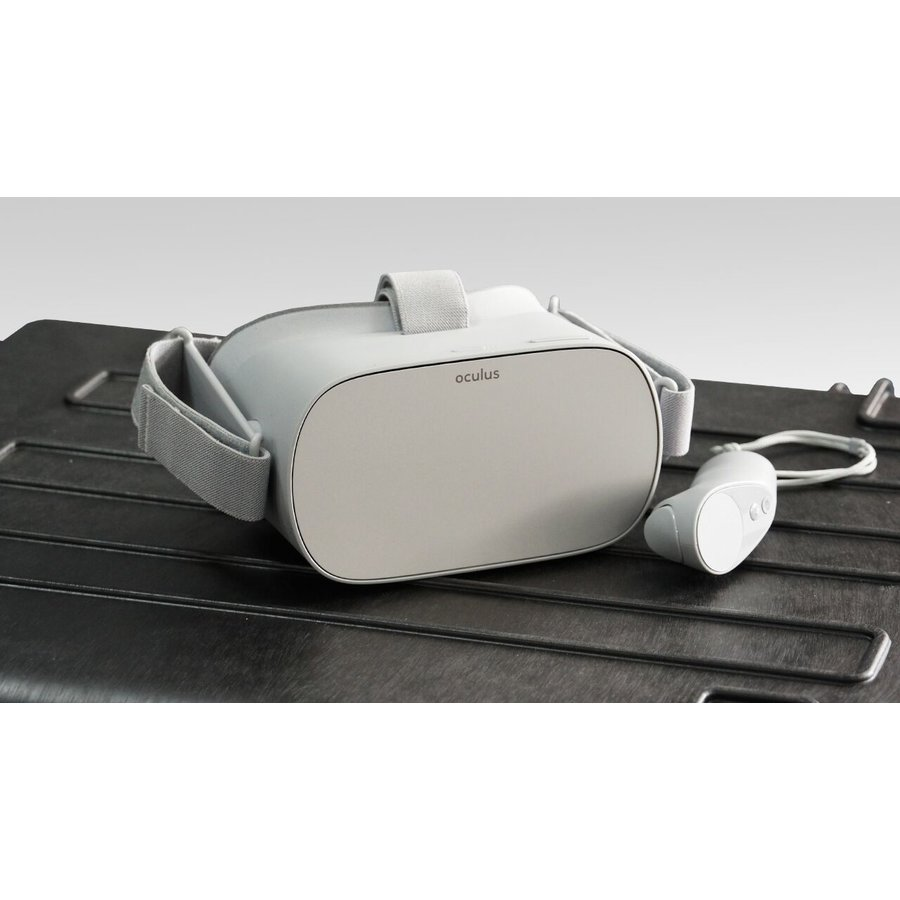 Case with 15 x Bay Oculus Go Virtual Reality Goggles, Tablet and WiFi router-2